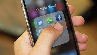 Soziale Medien sind für die Gemeinden Chance und Risiko zugleich. (Symbolbild)