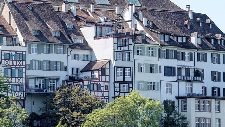 Umstrittene Stahlkonstruktion: die Pergola in der Altstadtwohnung «Zum Rappenfels». Bild: Kenneth Nars (Basel, 23. August 2019)