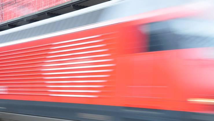 Rasant: Heute fahren noch viele Schnellzüge ohne Halt durch das Freiamt; hier soll Abhilfe geschaffen werden. (AZ-Archiv)