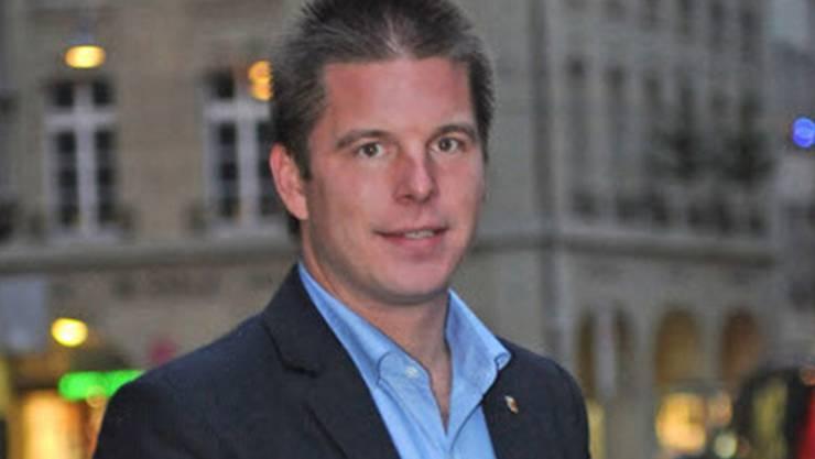 Erich Hess, Präsident der Jungen SVP, fordert nun die sofortige Umsetzung der Initiative. Das dürfte jedoch schwierig werden.