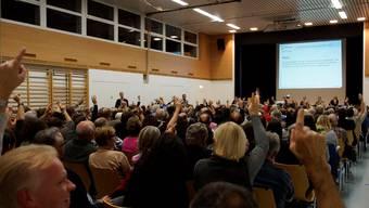 Nach mehreren Abstimmung war klar: Die Zufiker wollen keine Steuerfusserhöhung.