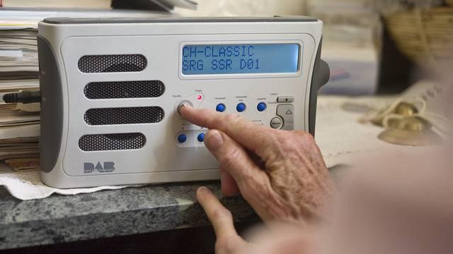 Die Regionaljournale sollen in allen Regionen über Digitalradio empfangbar sein (Archiv)