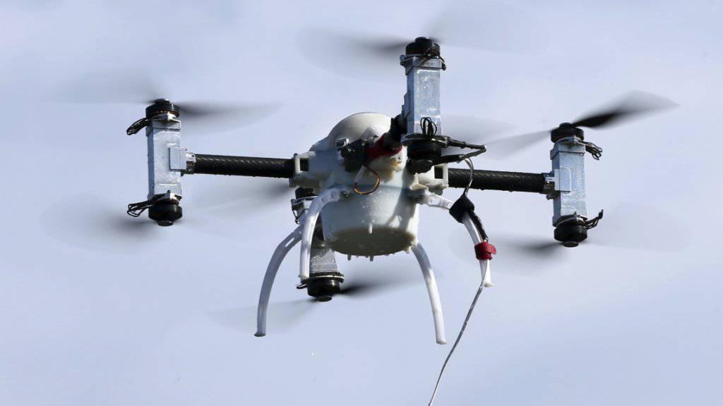 Drohnen können für die zivile Luftfahrt ein grosse Gefahr sein (Symbolbild)