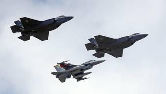 Auch dank den Kampfjets F-35 macht Lockheed Martin 10,7 Prozent mehr Umsatz.
