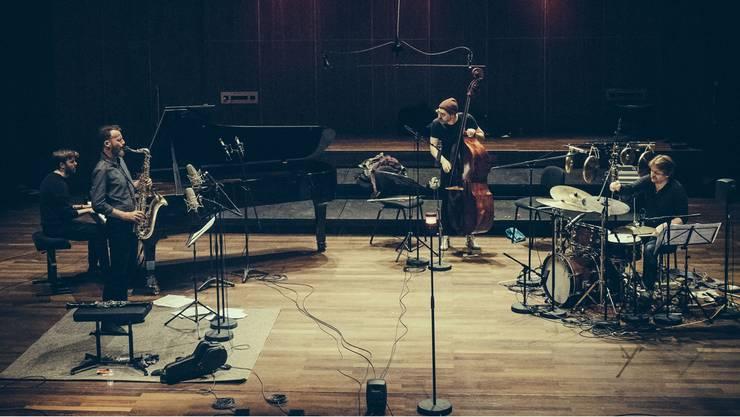 """Das Quartett mit Nicolas Masson, Colin Vallon, Patrice Moret und Lionel Friedlic ist seit zwölf Jahren gemeinsam unter dem Namen """"Nicolas Masson's Parallels"""" am Konzertieren."""