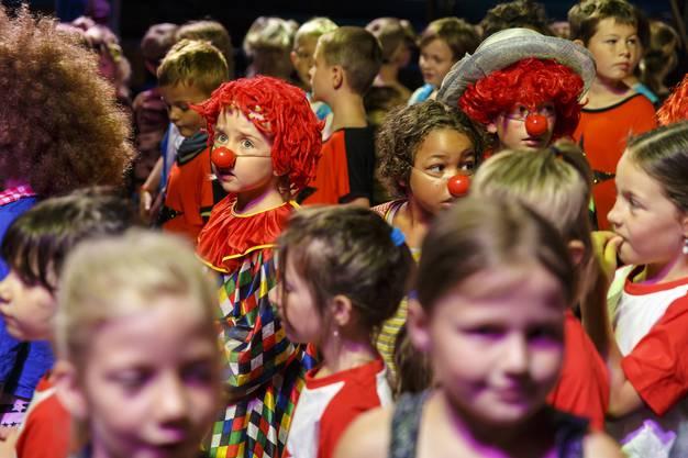 Die Clowngruppe: Mit den obligatorischen roten Nasen.