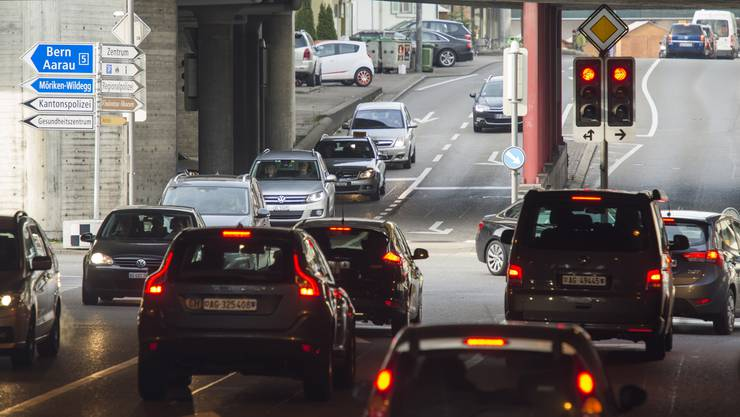 Die SP-Bezirksparteien Baden und Brugg lehnen das Verkehrskonzept Oase gemeinsam ab. (im Bild: Die Neumarkt-Kreuzung in Brugg)