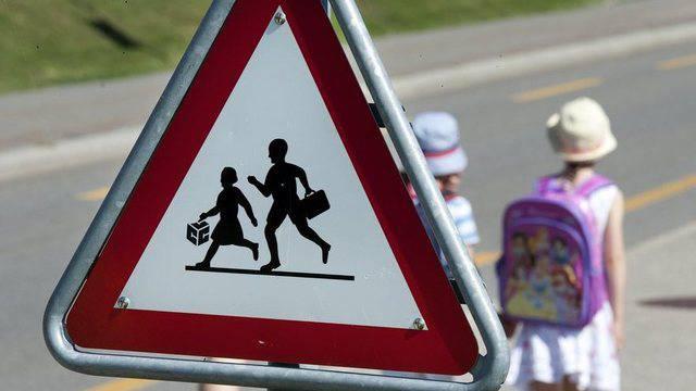 Mit der traditionellen «Aktion Schulbeginn» sind die Aargauer Regionalpolizeien seit Jahren bestrebt, die Gefahren für Kinder auf dem Schulweg zu mindern. (Symbolbild)