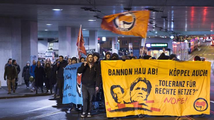 Zur Protestaktion auf dem Marktplatz hatte die Bewegung für den Sozialismus (BFS) aufgerufen.