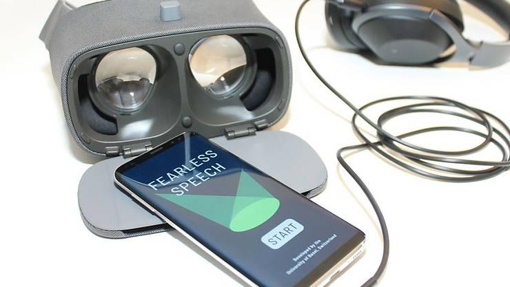 Lässt sich Vortragsangst durch Training in der virtuellen Realität überwinden? Das testen derzeit Forscher der Uni Basel.
