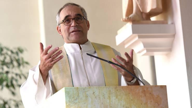 Pfarrer Franz Sabo diese Woche beim Gottesdienst in Röschenz.
