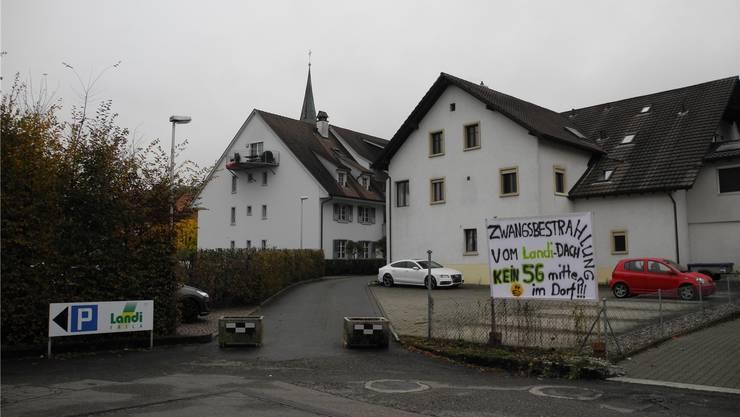 Bei Anwohnern des Landi-Gebäudes in Eiken herrscht Unmut über die «Zwangsbestrahlung».