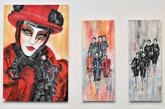 Bilder vom Karneval in Venedig und von Frauengestalten sind auch in der Ausstellung zu sehen.