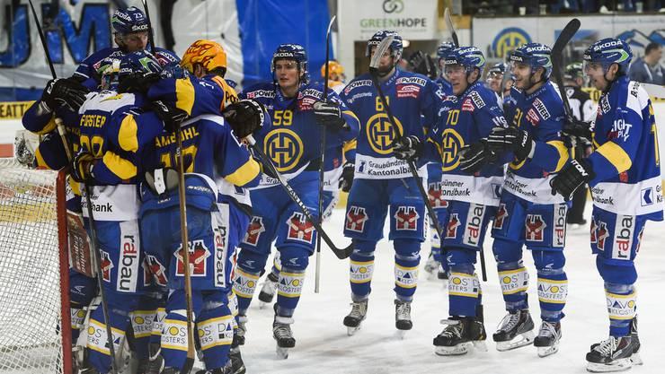 Die Davoser feiern ihren vierten Sieg gegen Zug.