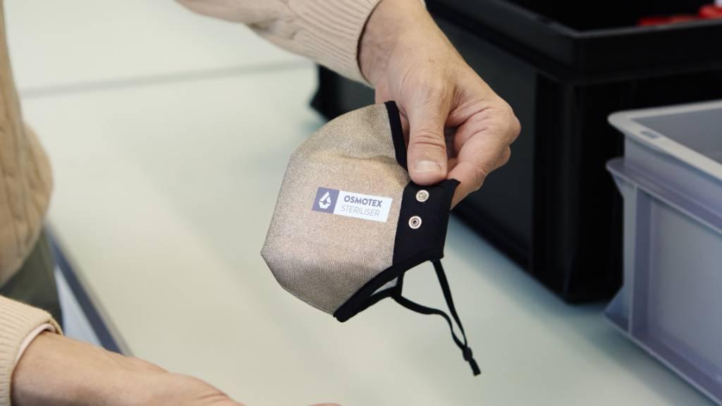 Neuartige Masken zerstören Viren auf Knopfdruck
