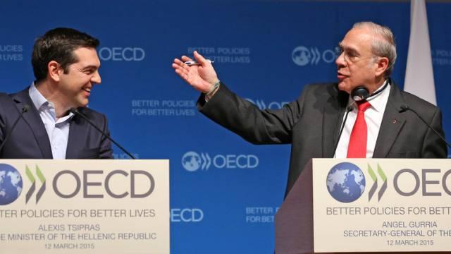 Tsipras und Gurría: Pass für Vertrauensschaffung