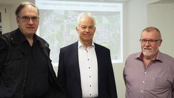Das Sisslerfeld stand im Vordergrund des Mittwochabend-Gesprächs mit Henri Leuzinger, Christian Fricker und Christoph Brem (v.l.). hcw