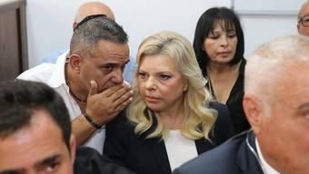 Soll in Luxusrestaurants Essen auf Staatskosten bestellt haben: Israels First Sara Netanyahu am Sonntag im Gerichtssaal in Jerusalem.