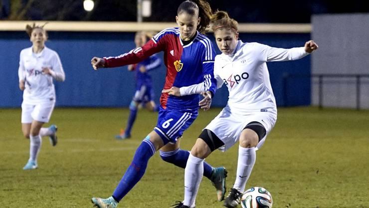 Die Baslerin Stefanie De Alem de Eira (links) kann sich gegen Zürichs Selina Kuster nicht behaupten.