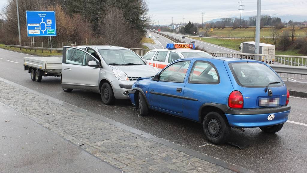 Der Mann flüchtete in diesem blauen Opel.