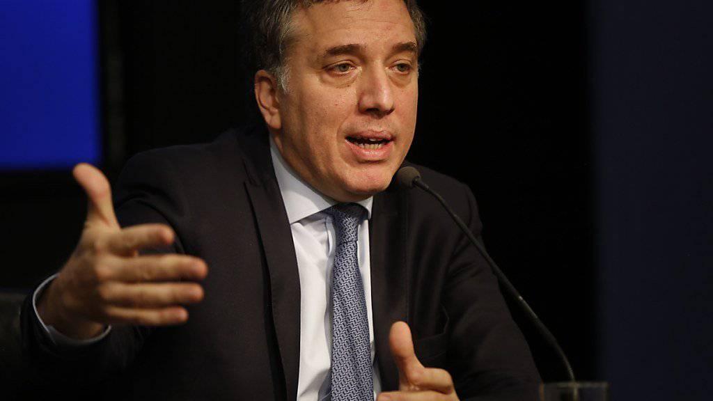 Der argentinische Finanzminister Nicolas Dujovne will am Montag Schritte zur Eindämmung der Krise vorstellen. (Archivbild)