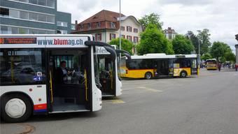 Die heutige Variante, die Busse parallel anzuordnen, wird ausgebaut. Dominic Kobelt