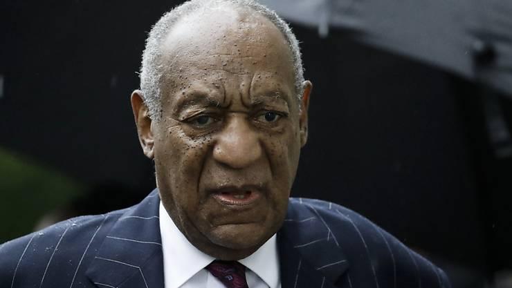 Der 81-jährige Bill Cosby muss wegen schwerer sexueller Nötigung mindestens drei Jahre ins Gefängnis. Seine Anwälte wollen gegen das Urteil Berufung einlegen.