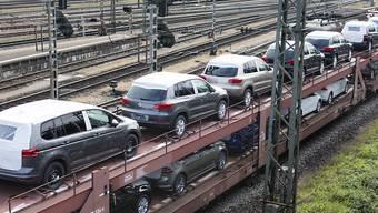 Nach dem Einbruch im Vorjahr wegen der neuen Abgasvorschriften ist der Autoabsatz in Europa im Oktober deutlich gestiegen. (Archiv)