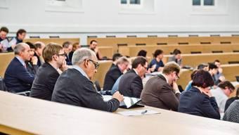 205 Personen wollen in den Aarauer Einwohnerrat. (Archiv)