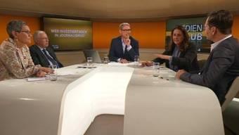 ranz Fischlin (Mitte) und seine Gäste (v.l.n.r.): Susanne Boos («WoZ»), Christoph Blocher, Jacqueline Badran und Arthur Rutishauser («Tages-Anzeiger» und «SonntagsZeitung»).