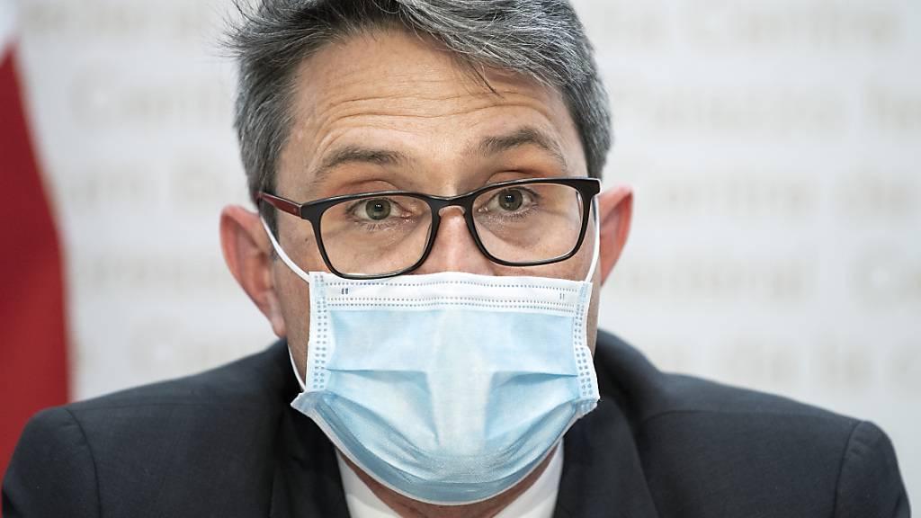 Lukas Engelberger, Präsident der Konferenz der kantonalen Gesundheitsdirektorinnen und -direktoren (GDK), findet den Entscheid des Bundes, die Corona-Massnahmen nicht zu lockern, richtig. (Archivbild)