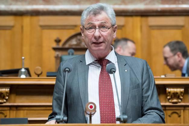 Nationalrat Jean-Pierre Grin fordert einen deutlich höheren Lohn für Chiesa.