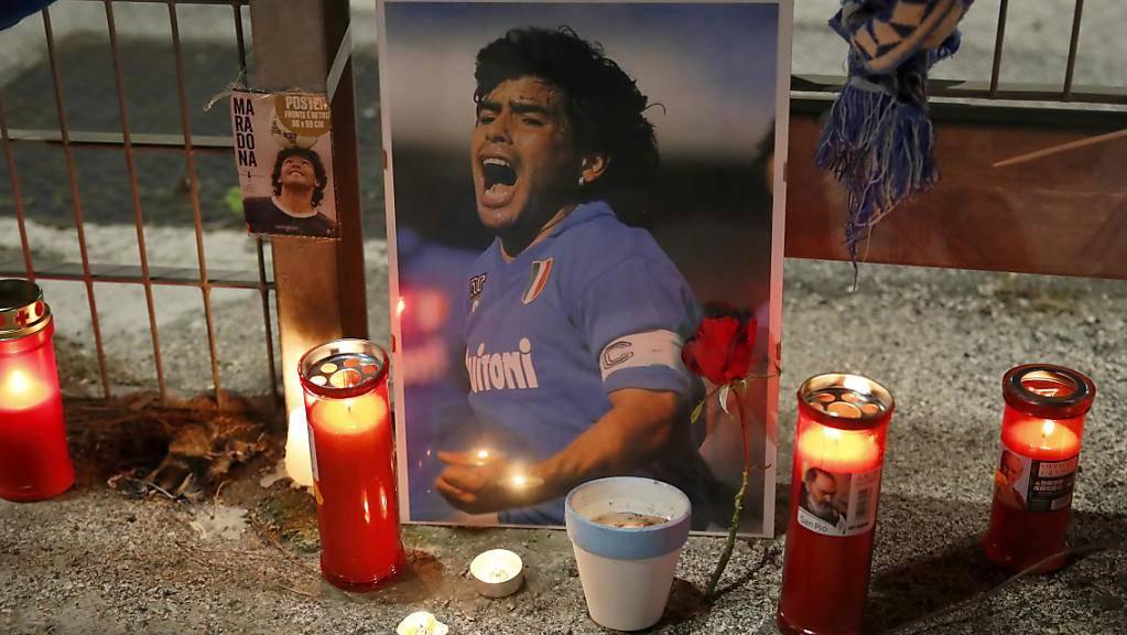Die Fussball-Welt trauert um Diego Armando Maradona.