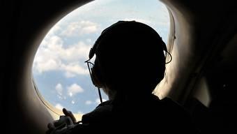 Vor fast einem Monat ist die Egyptair-Maschine im Mittelmeer abgestürzt. Nun haben die Einsatzkräfte mehrere Stellen mit Wrackteilen lokalisiert. (Symbolbild)