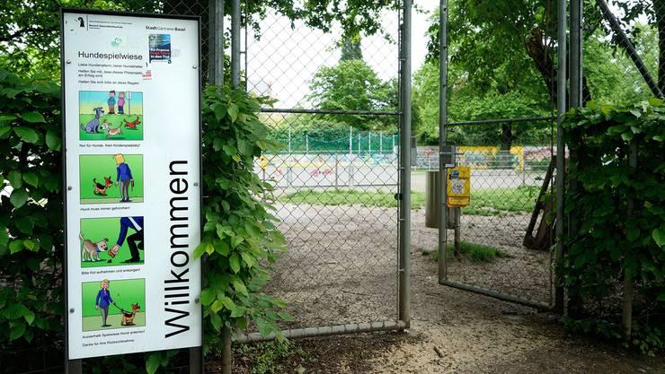 Noch gibt es solche Spielzonen erst im Kleinbasler Horburgpark, doch noch in diesem Sommer sollen in der Stadt ähnliche Freilaufzonen eröffnet werden. Kenneth Nars