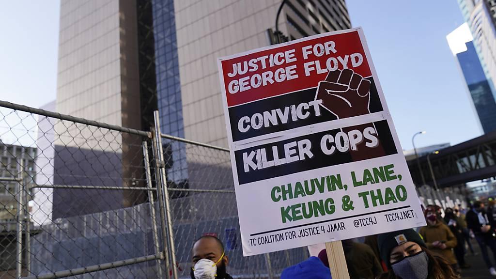 Prozess um George Floyds Tötung: Auswahl der Geschworenen steht