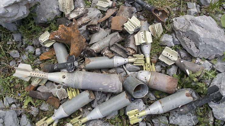 Die Schweizer Armee hat im vergangenen Jahr 303 Blindgänger sowie 1312 Stück Munitionsschrott eingesammelt. (Archivbild)