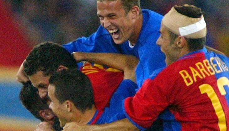 Carlos Varela (links) jubelt mit seinen Teamkollegen