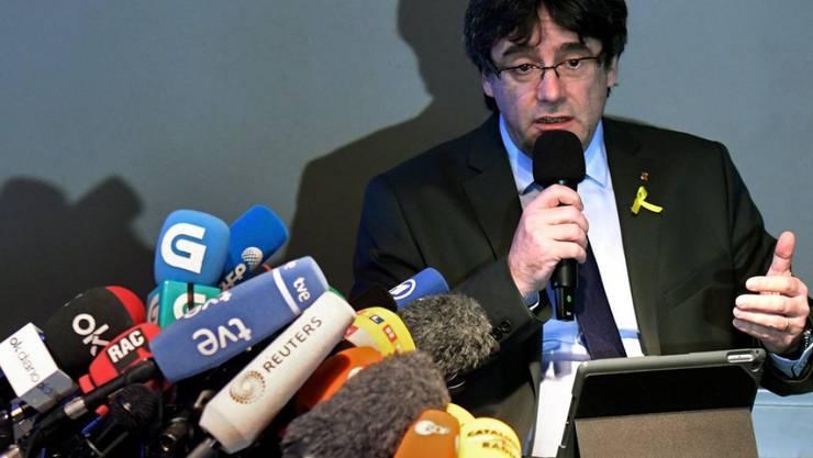 Ruft nach seiner Freilassung die spanische Zentralregierung zum Dialog auf: der frühere katalanische Regionalpräsident Carles Puigdemont, hier in Berlin vor den Medien.