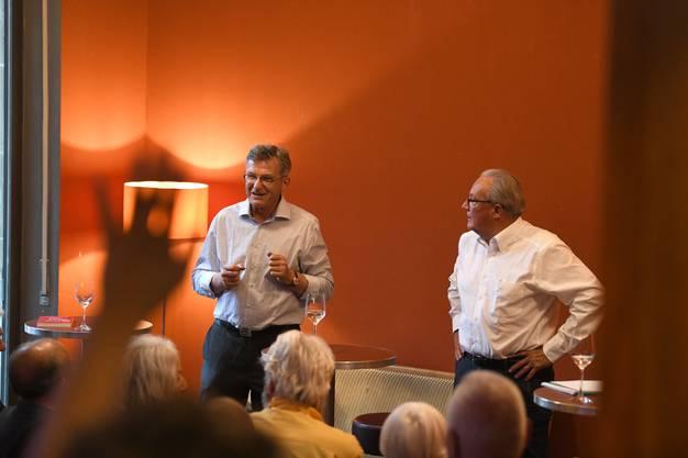 Tanner merkte schnell: Das Publikum war zwar interessiert an seinen Aussagen, vielmehr noch wollten ihn einige Zuhörer aber aufs Glatteis bringen.