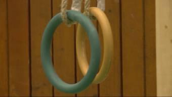 Anfangs Jahr stürzte ein Berufsschüler in Zofingen an den Ringen und kam dabei ums Leben. Für den Turnlehrer gibt es nun erleichternde Nachrichten.