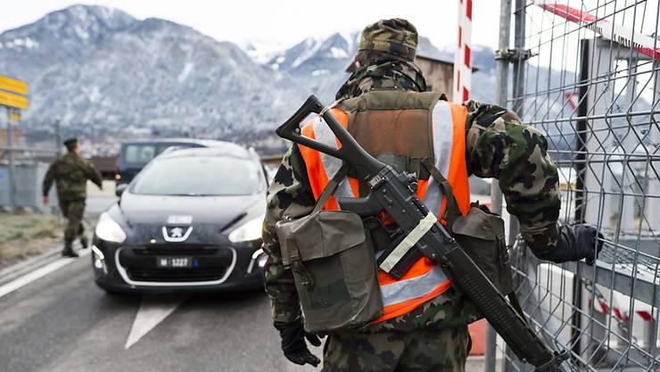 Herr und Frau Schweizer sind besorgt – und wünschen sich mehr Aufrüstung.