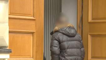 Der Messerstecher von Wangen vor dem Amtsgericht. (Archiv)