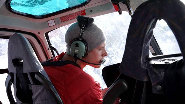 Teuer: Der Helikopterflug über das Gebiet, in dem die Familie Harrison Fast zu hofft.