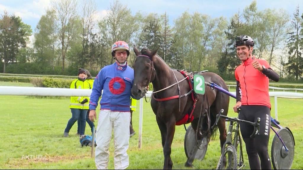 Franco Marvulli sprintet gegen ein Rennpferd