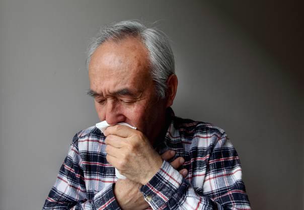 Ältere Menschen zählen zur Risikogruppe. (Symbolbild)