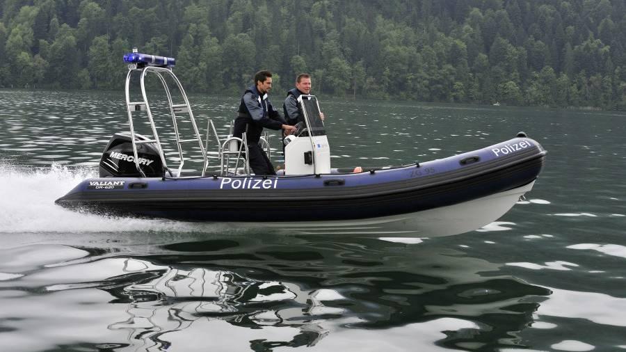 Zuger Polizei mit Mietboot im Einsatz
