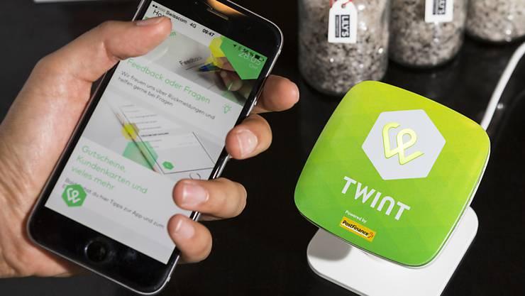 Das Bezahl-App Twint wird in einem Zürcher Restaurant benutzt (Symbolbild).