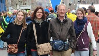 Da war noch alles friedlich. Einen Tag vor dem Boston-Marathon besichtigte Familie Blum aus Lotzwil die Strecke und das Zielgelände.