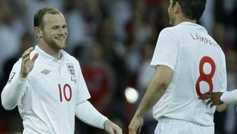 Doppeltorschütze Rooney (l.) empfängt Lampards Gratulation